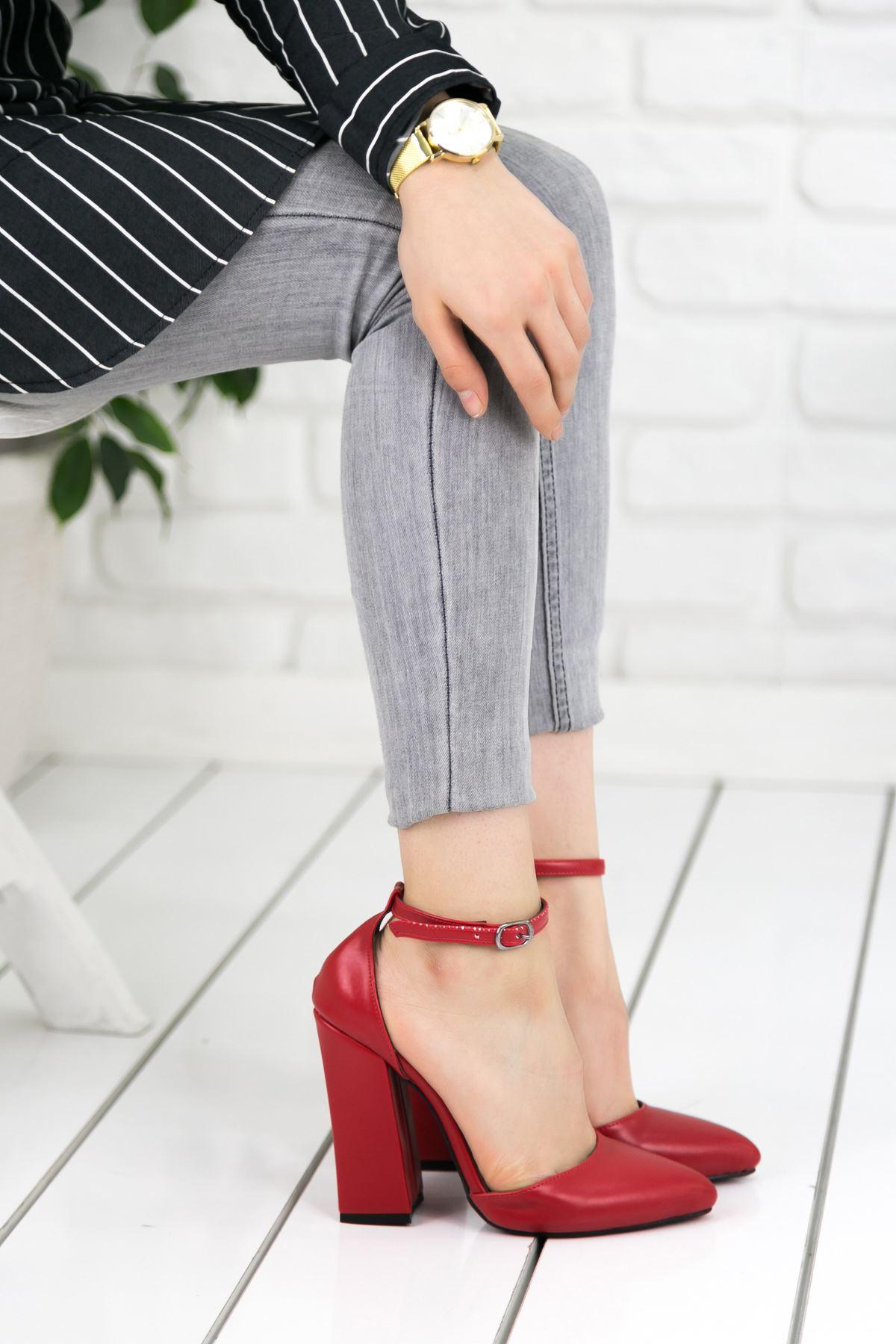 Koberz Kırmızı Topuklu Bayan Ayakkabı