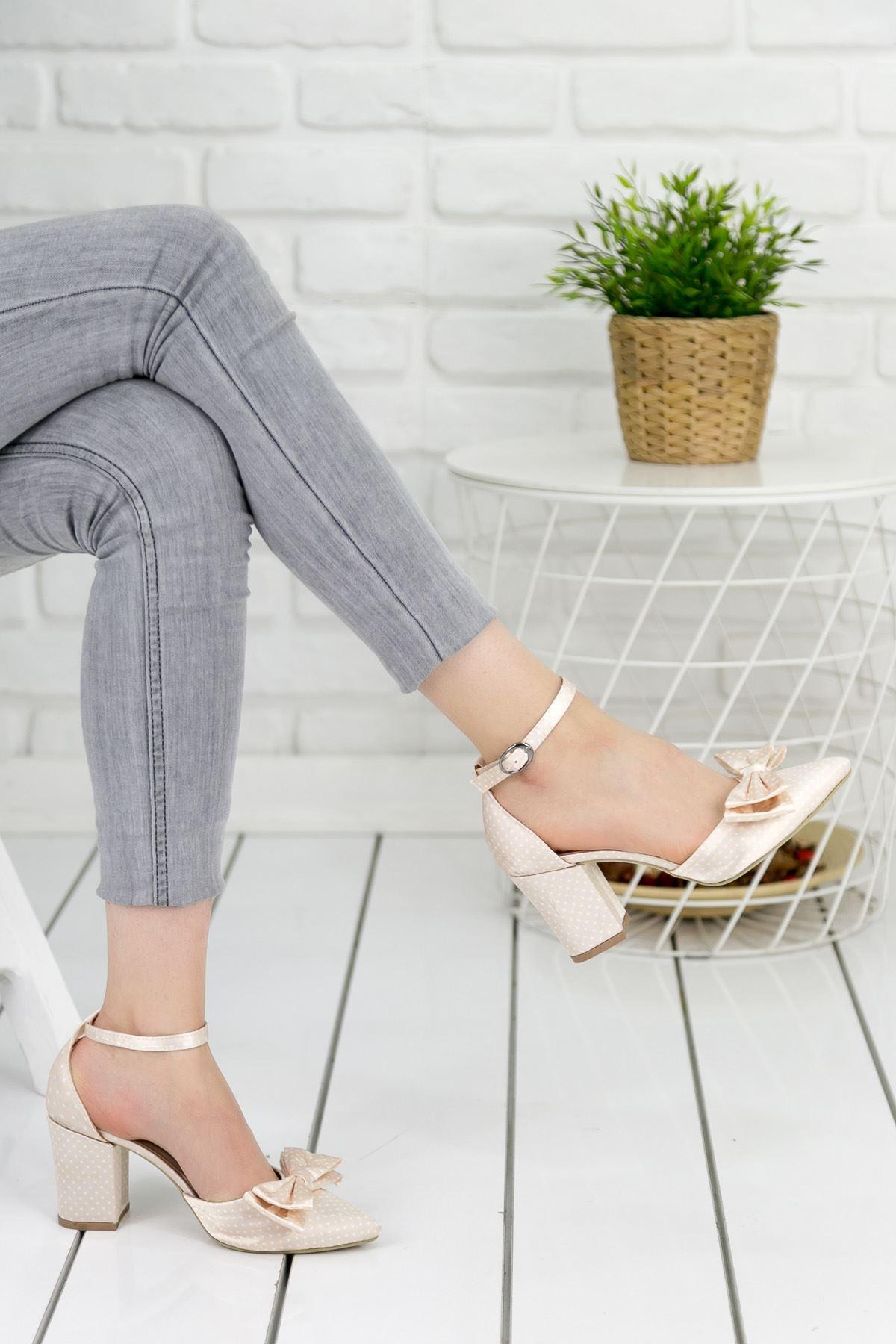 Tijda Puanlı Krem Fiyonklu Topuklu Bayan Ayakkabı
