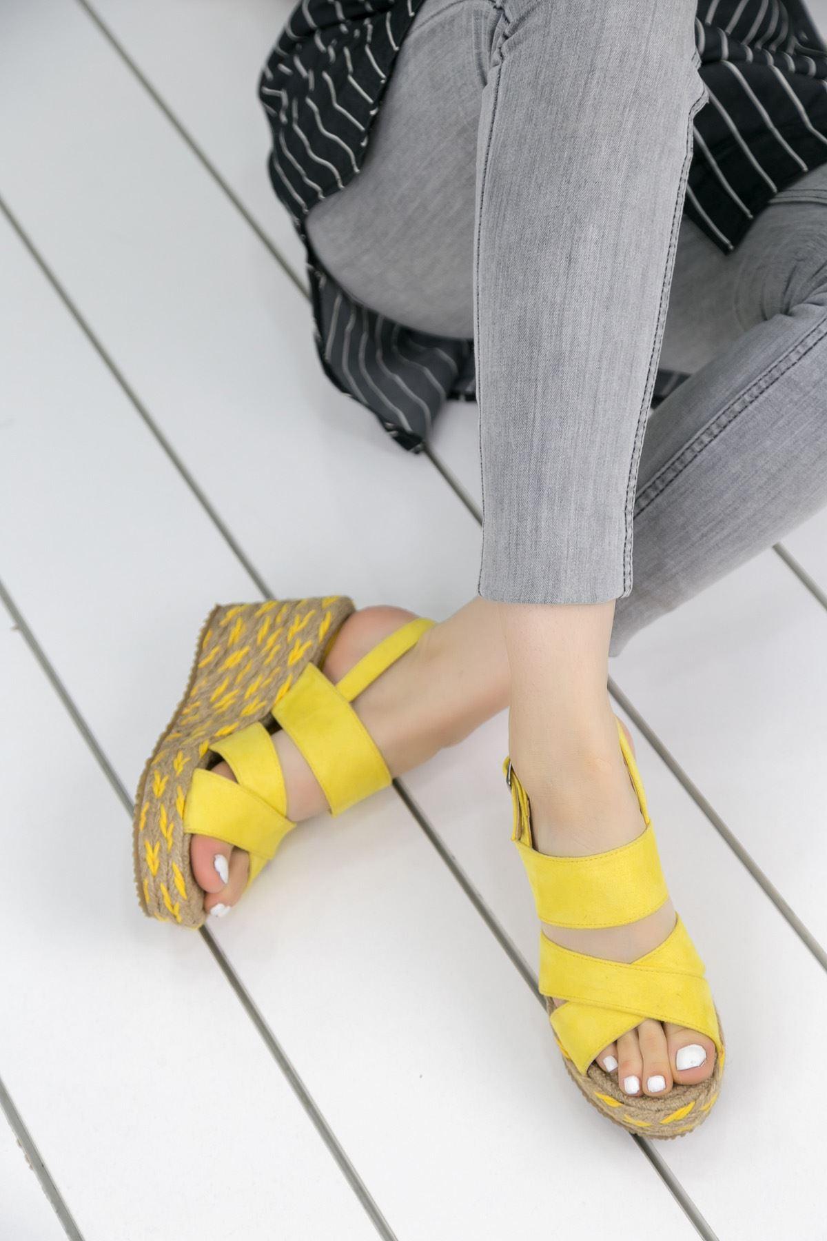 Roşna Sarı Platform Bayan Sandalet