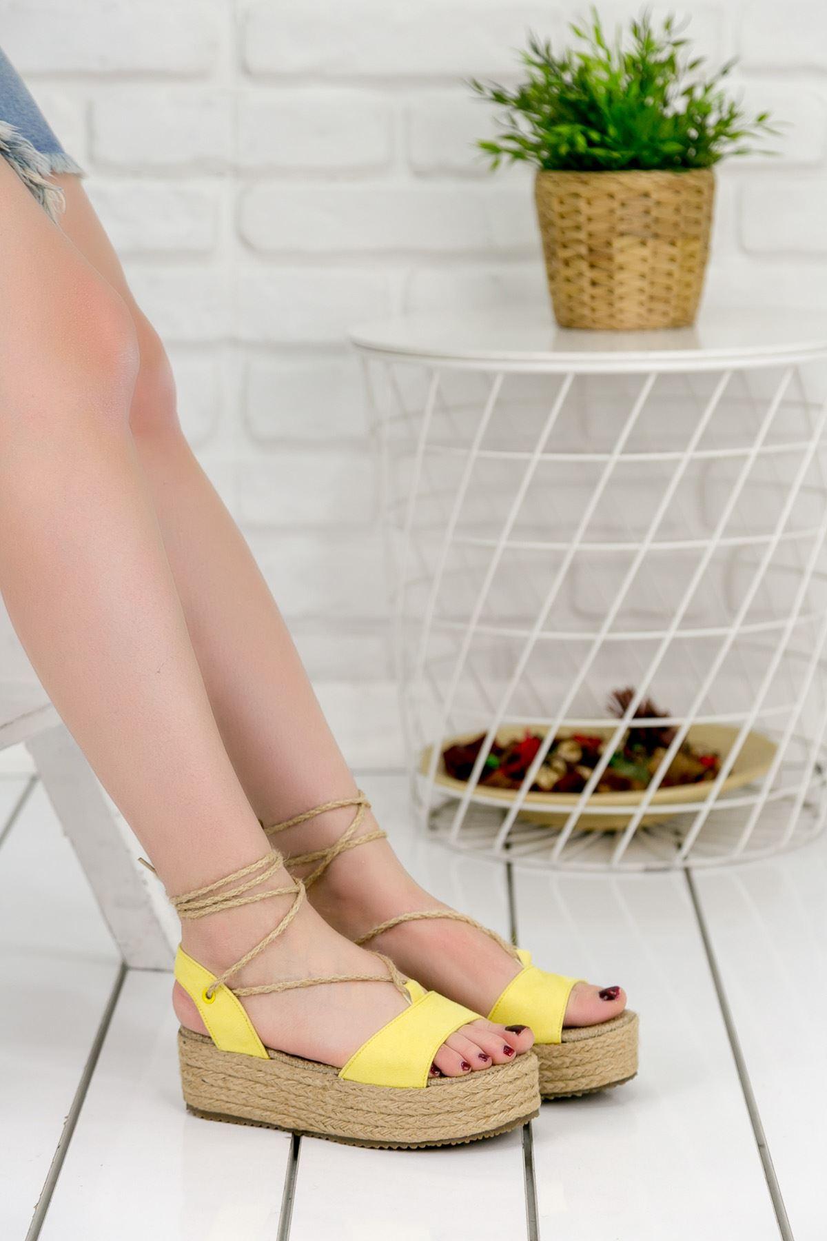 Tania Sarı Bayan Sandalet
