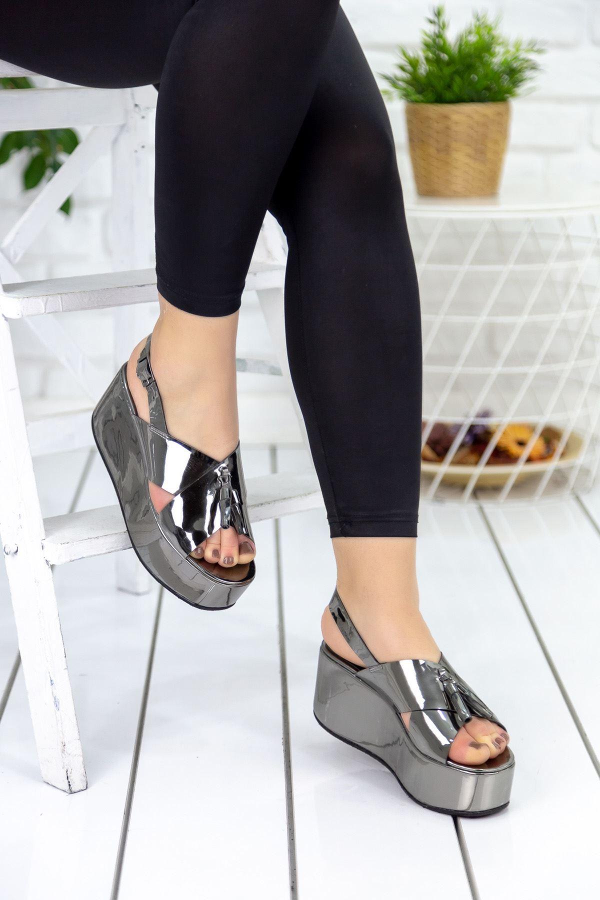 Norte Gümüş Püsküllü Hakiki Deri Platform Bayan Ayakkabı