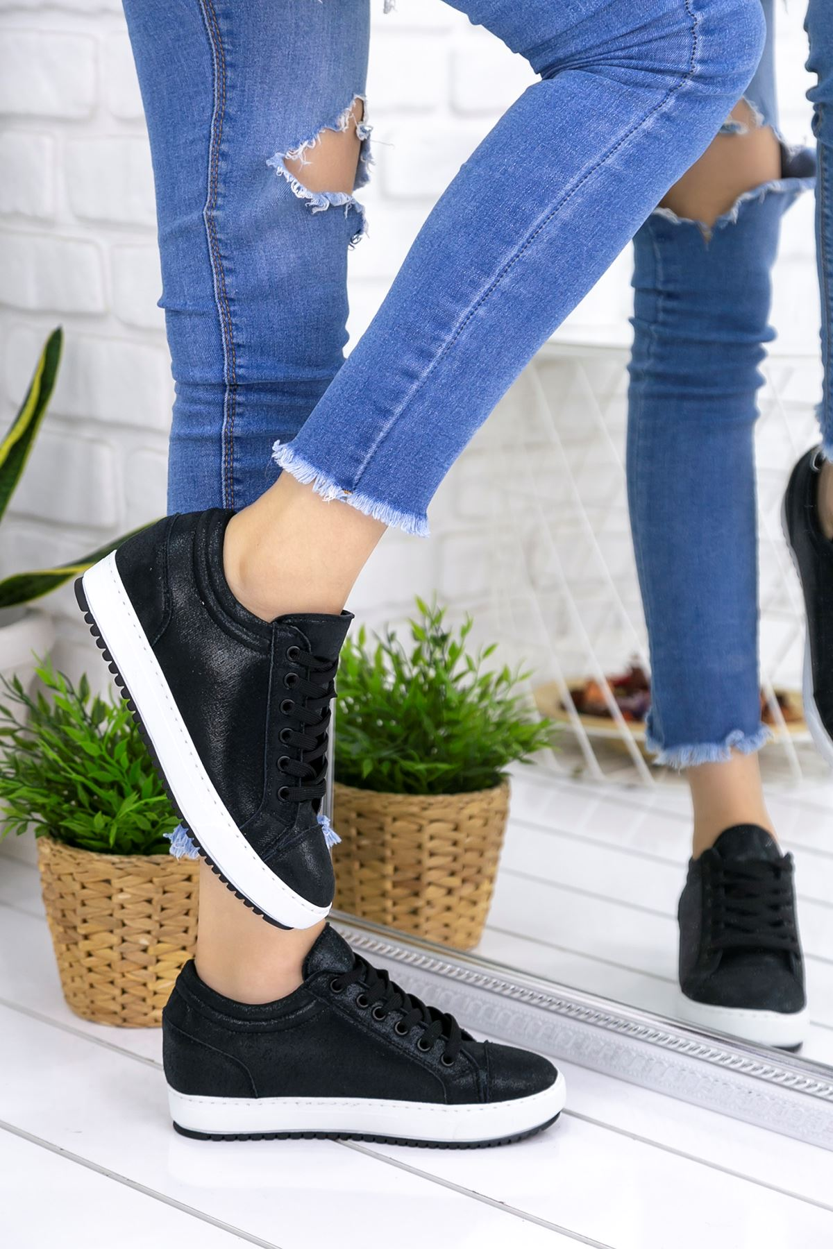 Adonia Siyah Gizli Topuklu Ortapedik Bayan Spor Ayakkabı