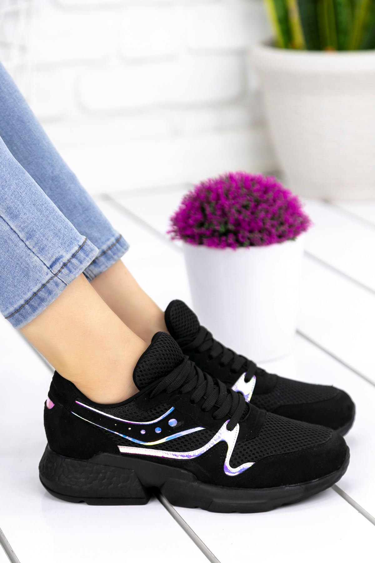 Marzo Siyah Hologramlı Lame İthal Süet Bayan Spor Ayakkabı