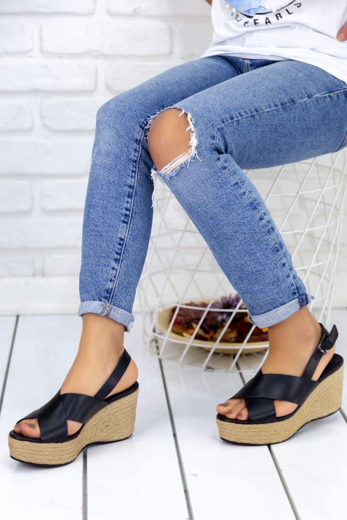 Abellan Siyah Bayan Topuklu Sandalet
