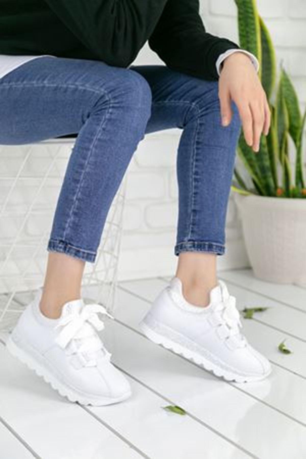 Wissa Beyaz Ortopedik Bayan Spor Ayakkabı