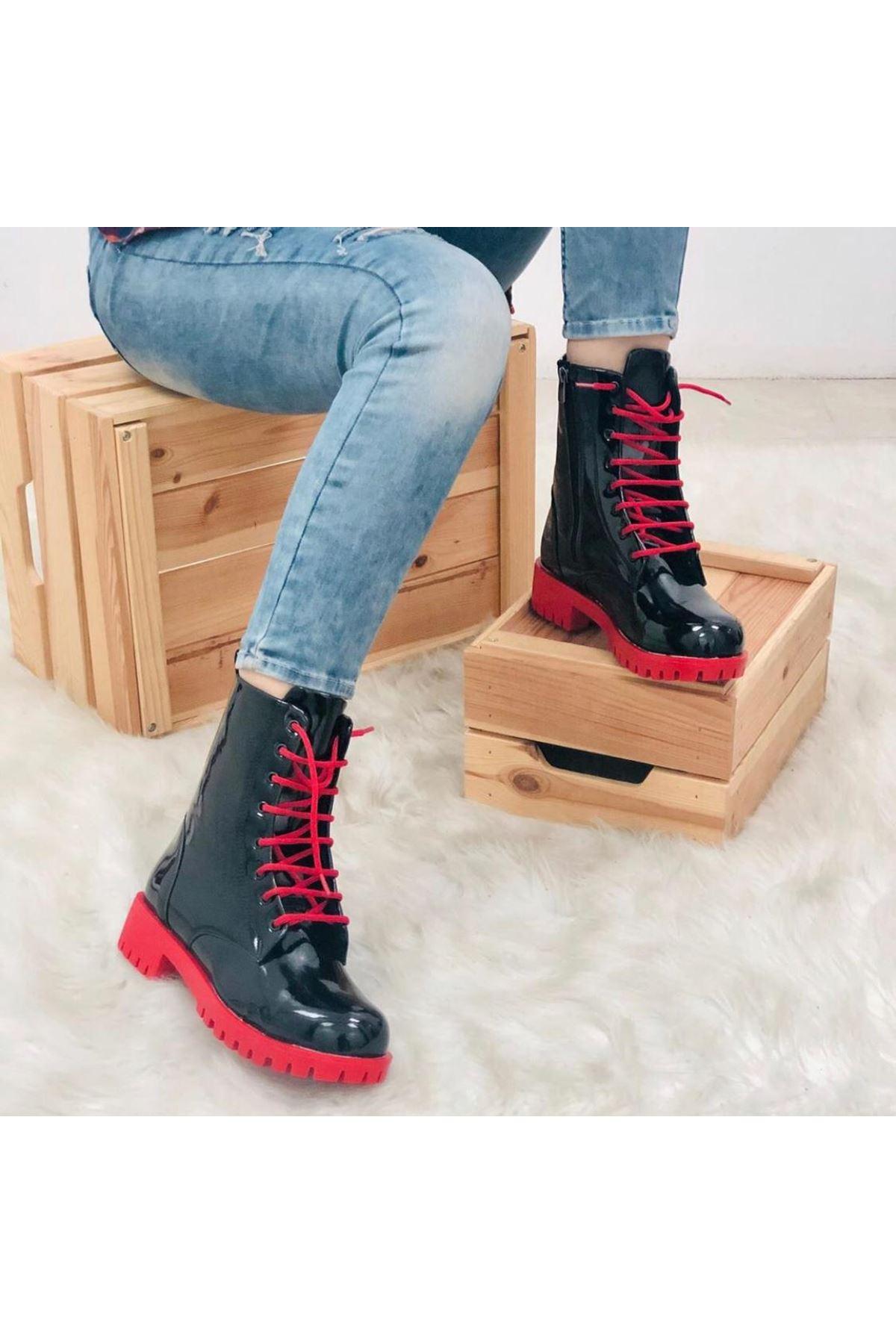 Aroni Siyah Kırmızı Bayan Bot