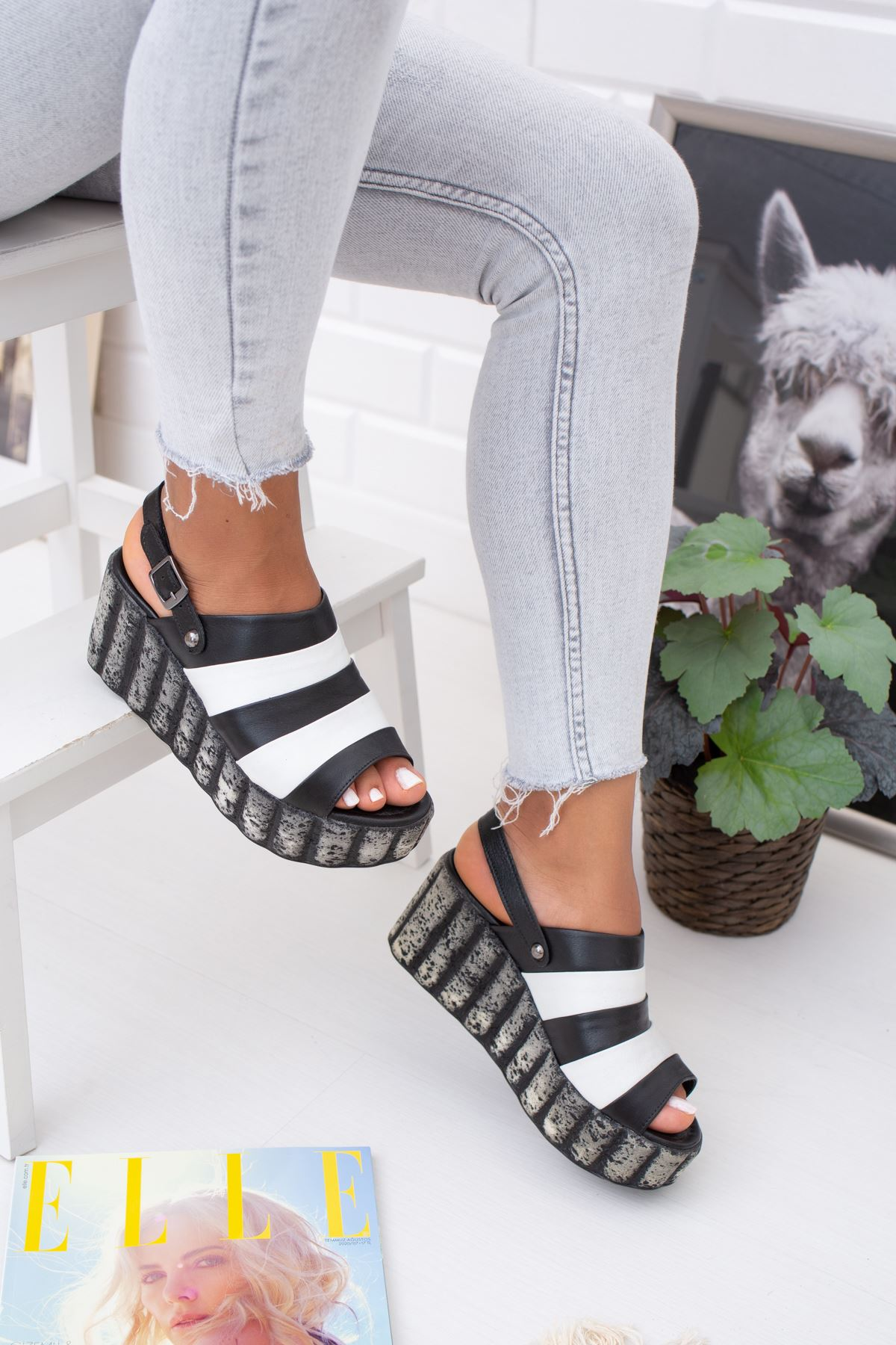 Hakiki Deri Almeida Siyah Beyaz Topuklu Sandalet
