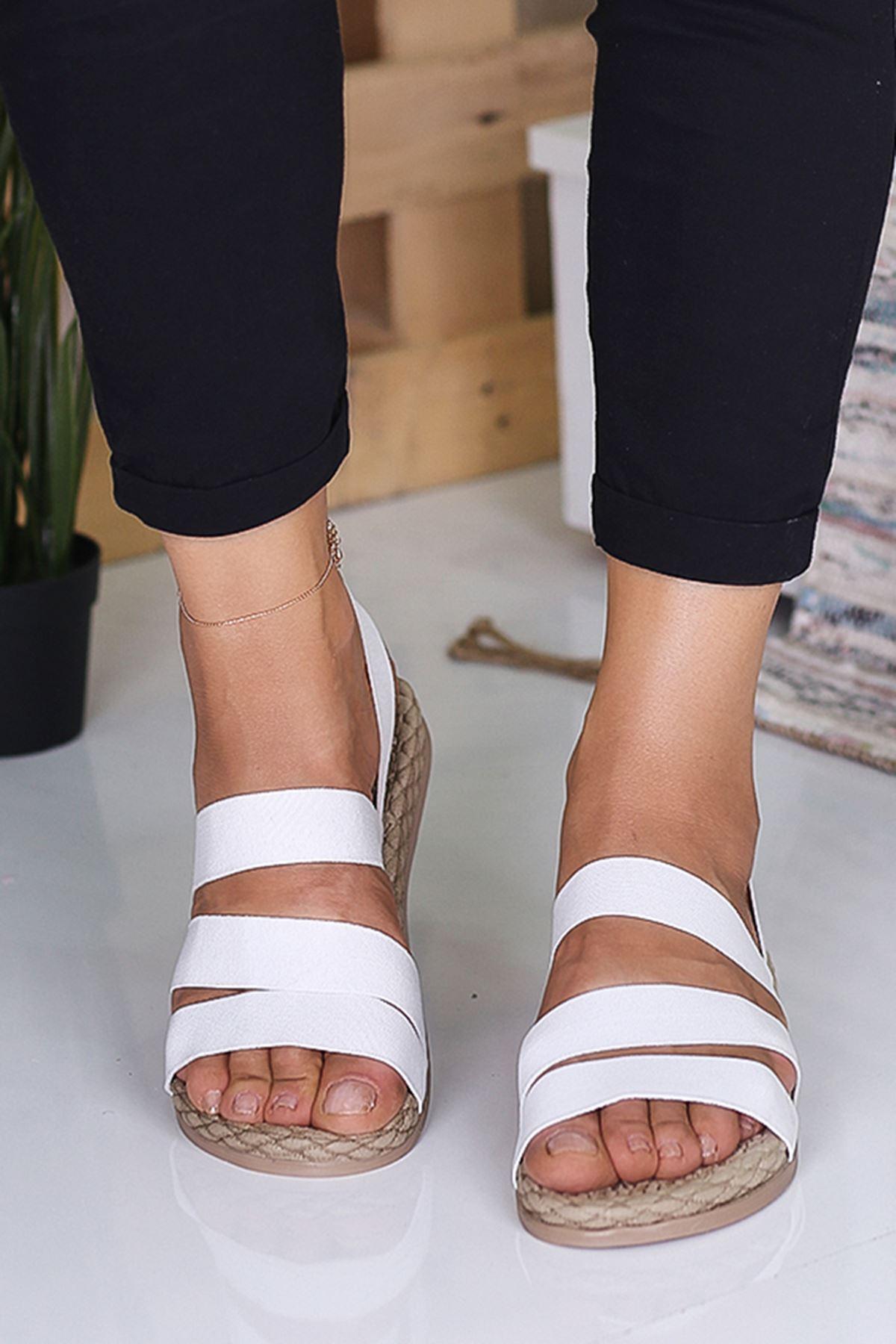 Sandey  Kadın Ortapedik Beyaz Sandalet