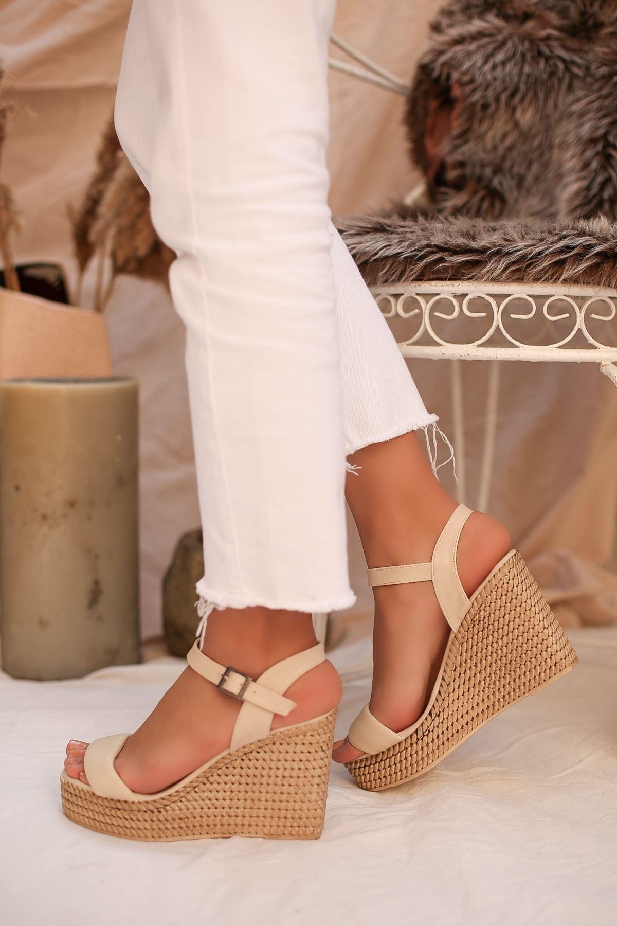 Puşper Krem Platform Kadın Sandalet
