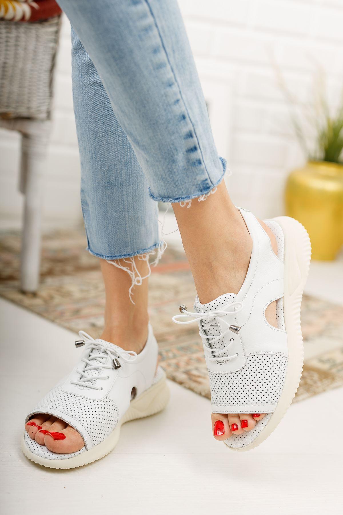 Awrel Hakiki Deri Beyaz Bağcıklı Ortapedik Taban Bayan  Spor Sandalet