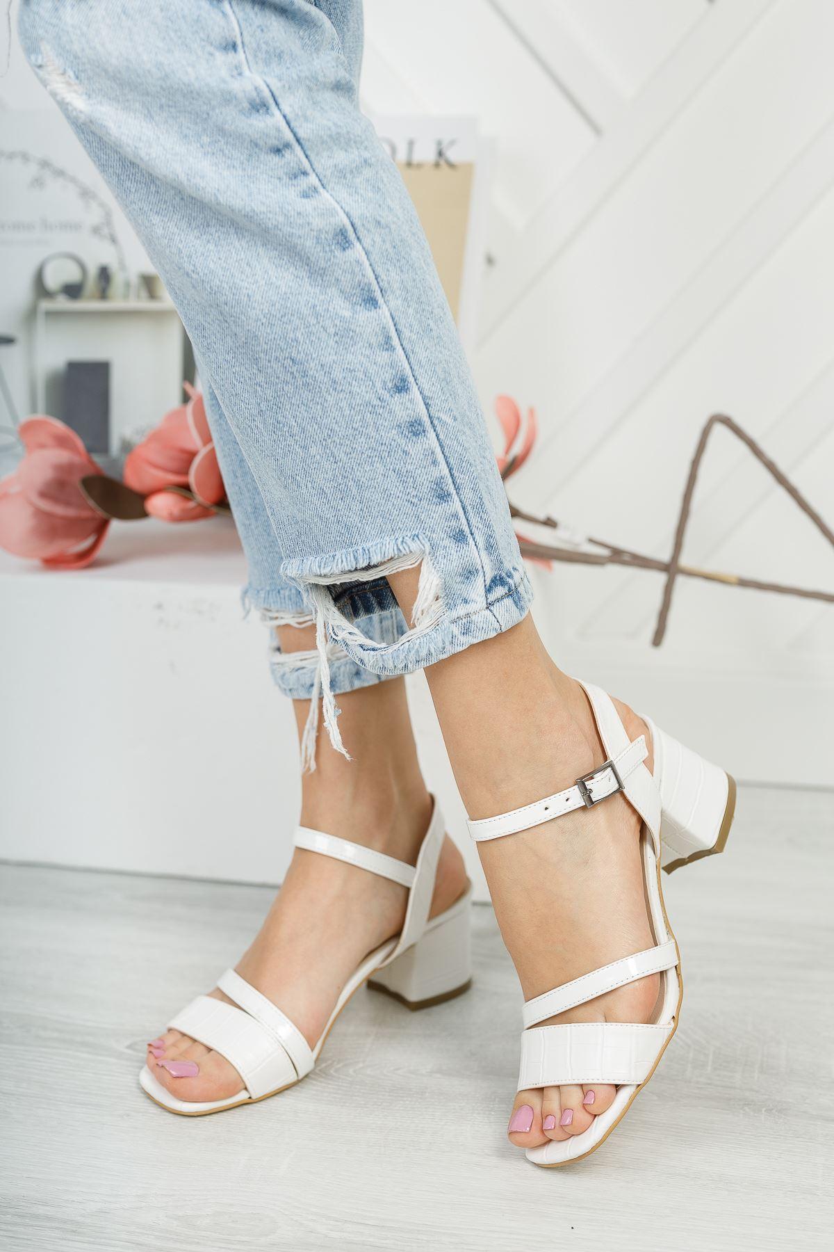 Lilith Lüks Beyaz Topuklu Kadın Sandalet