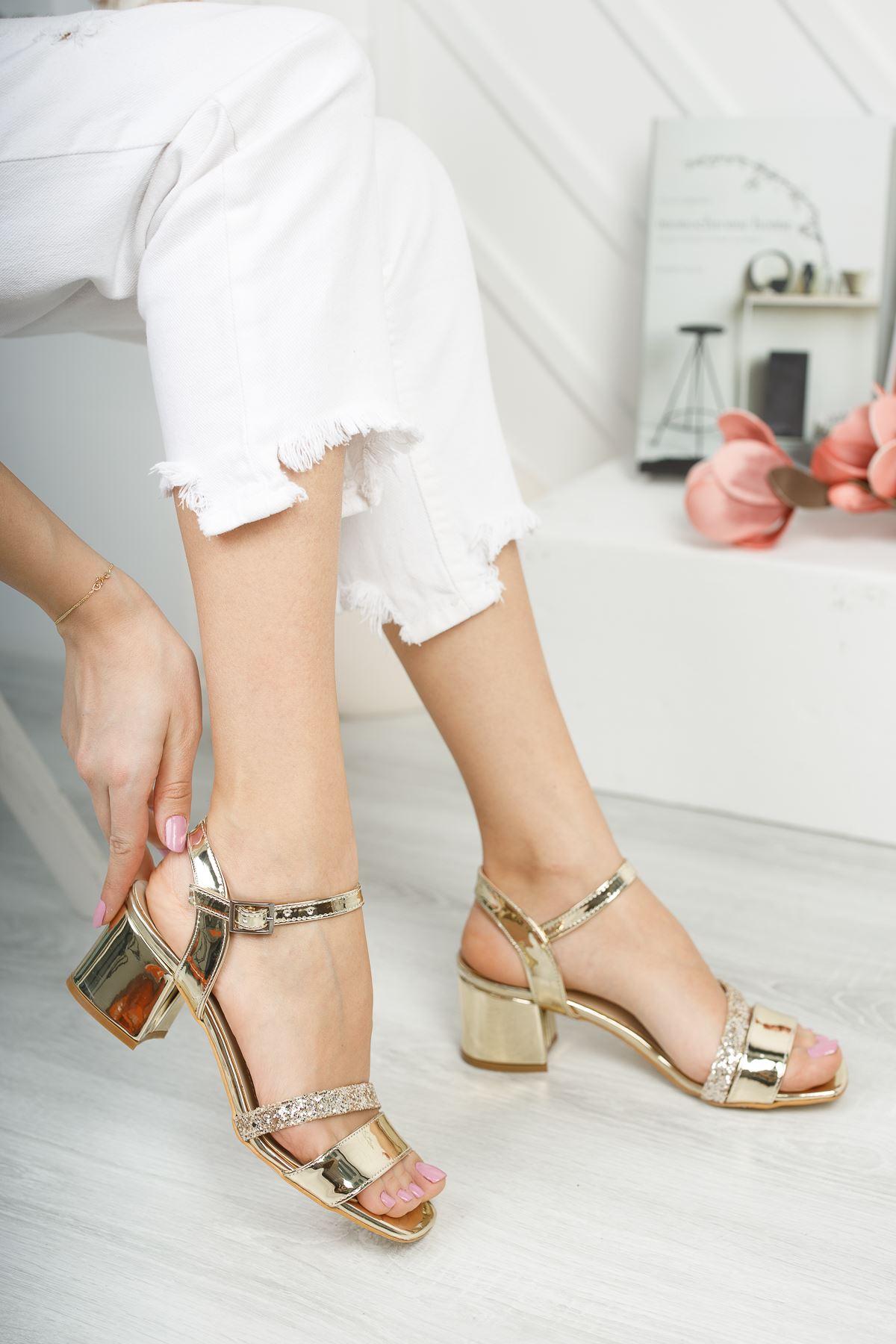 Lilith Lüks Gold Topuklu Kadın Sandalet