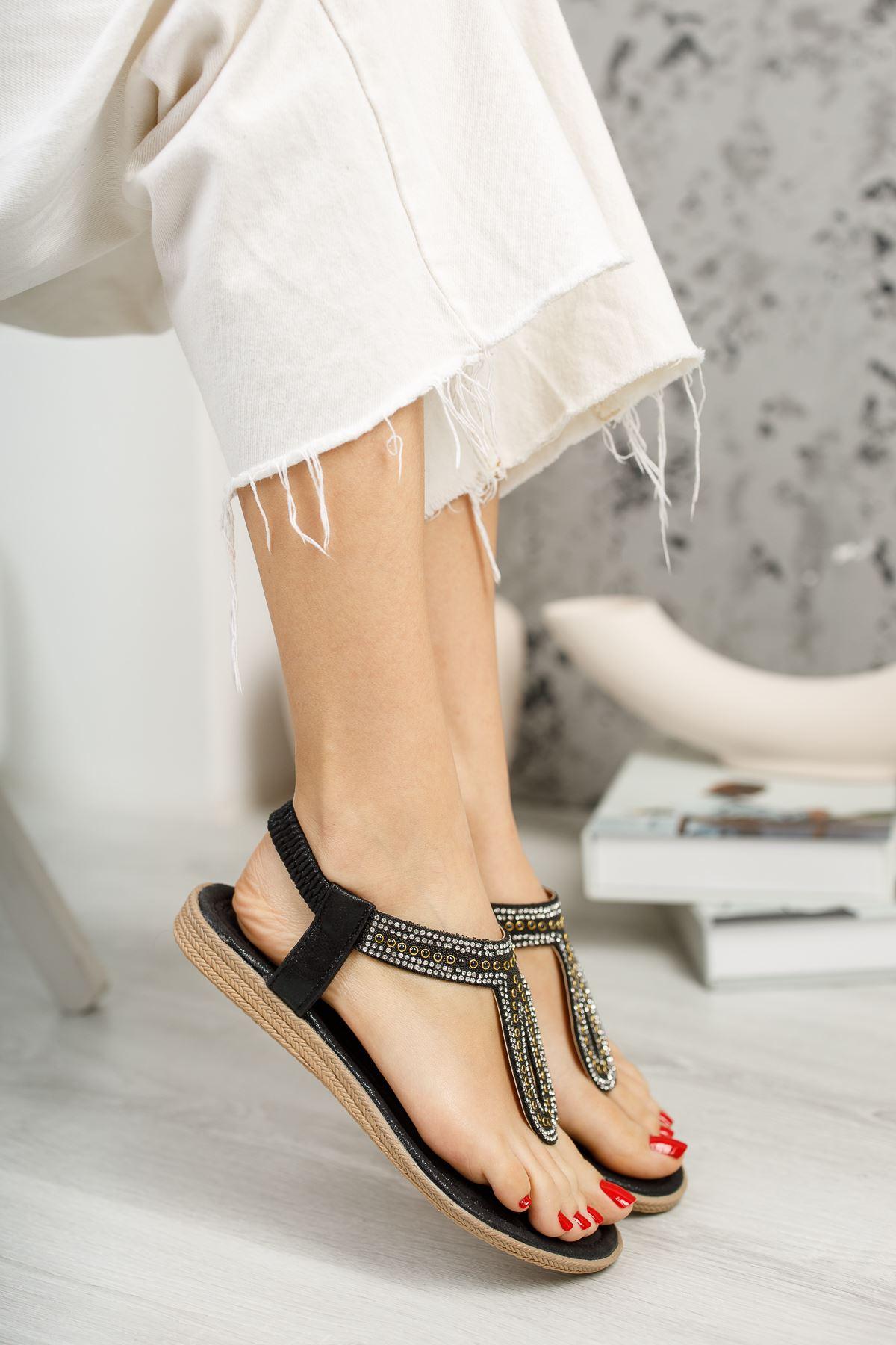 Jully Siyah Parmak Arası Kadın Sandalet