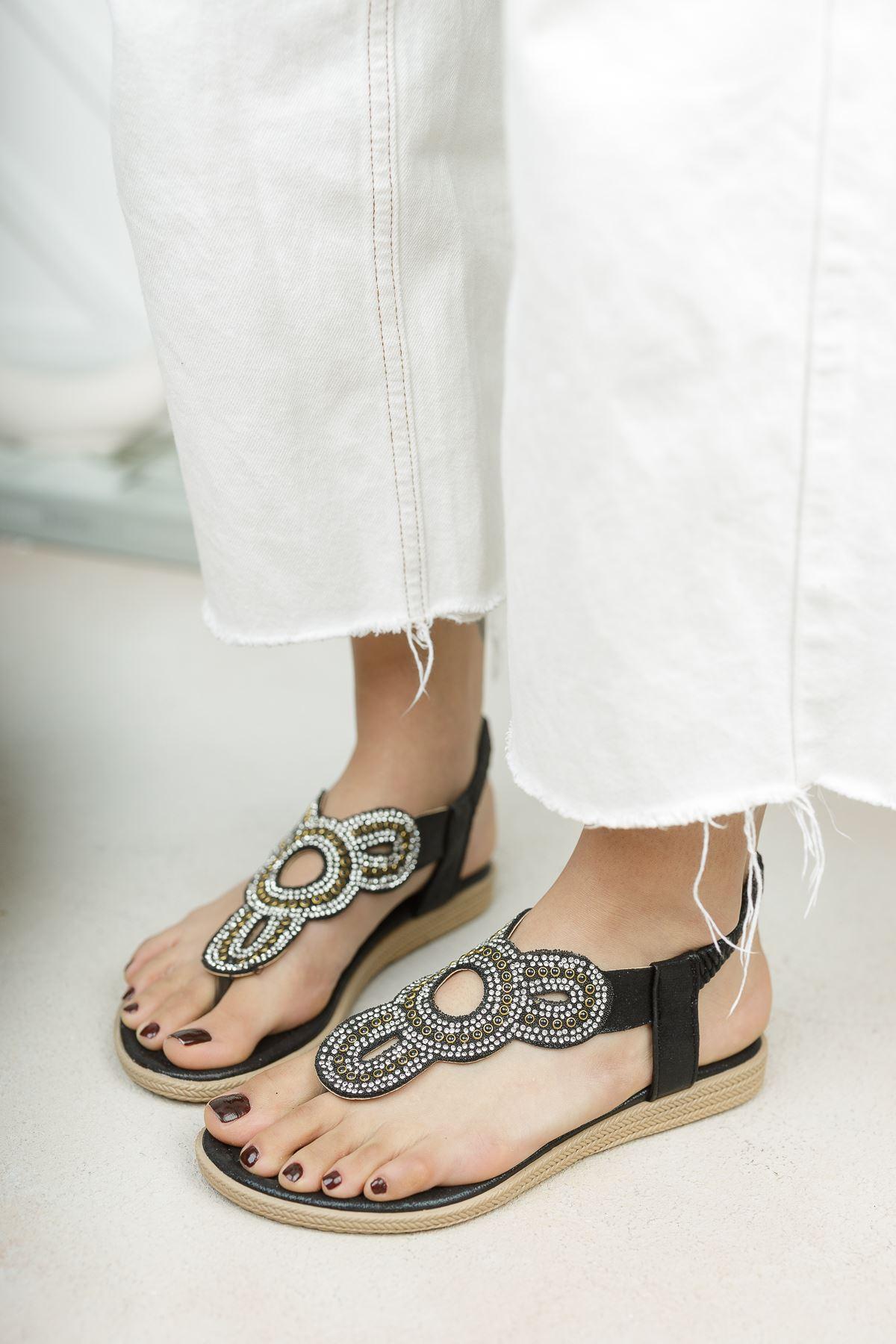Alda Siyah Parmak Arası Kadın Sandalet