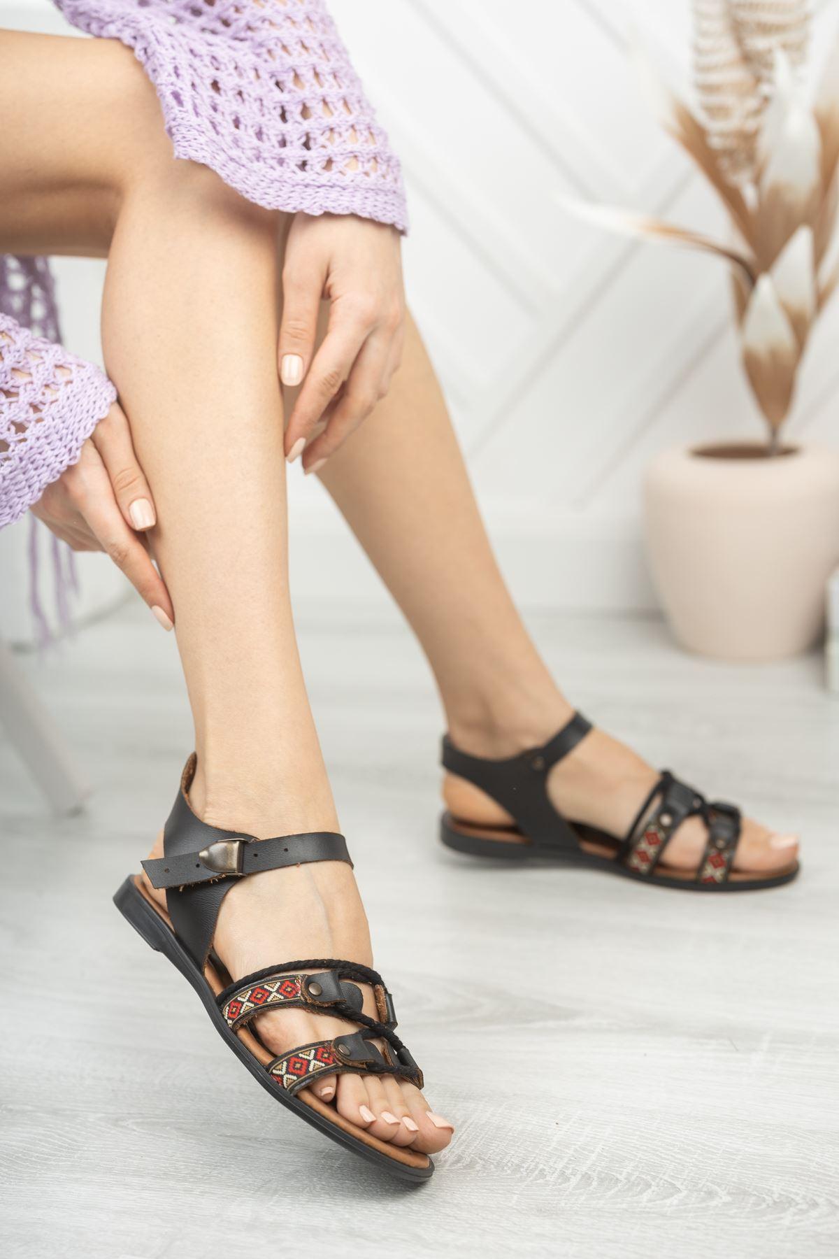 Carissa Hakiki Deri Siyah Günlük Kadın Sandalet